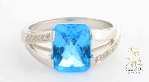 Blue Topaz & Diamond Ring 14K White