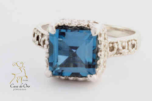 Blue Topaz Ring 10K White