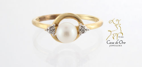 Pearl & Diamond Ring 10K Yellow