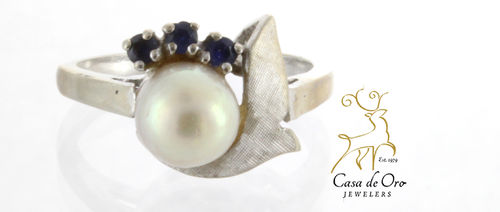 Pearl & Sapphire Ring 14K White